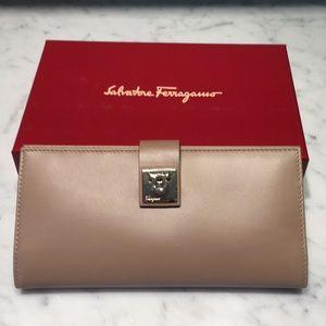 Brand new Ferragamo Leather wallet